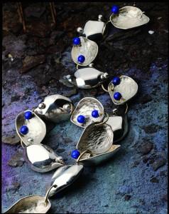 10 張修然〈種子之六〉青金石、銀
