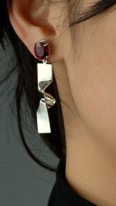 作品7 曲折紅寶耳環DSC 0047s03